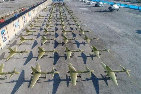 Iran dùng máy bay không người lái phô trương sức mạnh khi tập trận trong bối cảnh căng thẳng với Mỹ