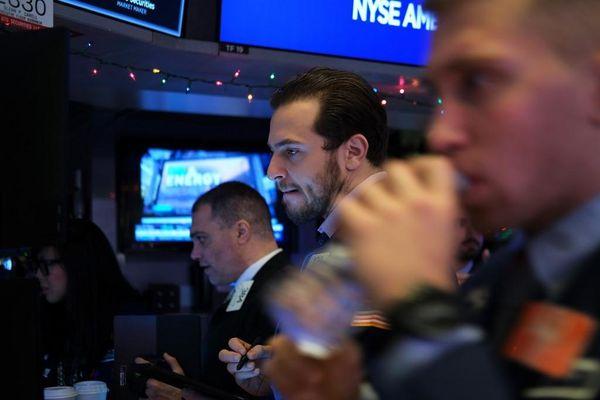 Giao dịch chứng khoán khối ngoại ngày 6/1: Mua mạnh cổ phiếu ngân hàng, chốt các mã chứng khoán