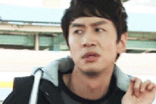 Lee Kwang Soo sắp vào vai anh hùng chính trực, dân tình chọc quê: 'Anh đừng tấu hài đấy nhá!'