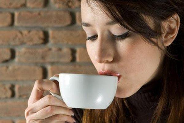 Uống cà phê trước khi ăn sáng cực kì nguy hiểm