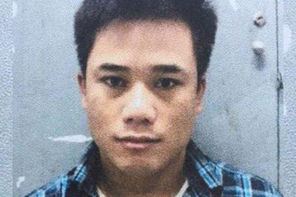 Trộm thẻ visa sau khi 'mây mưa', gã trai sắm iPhone 12 rồi tiếp tục đi lừa