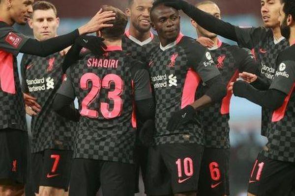 Liverpool thắng đậm Aston Villa mất toàn bộ đội hình một vì phải đi cách ly