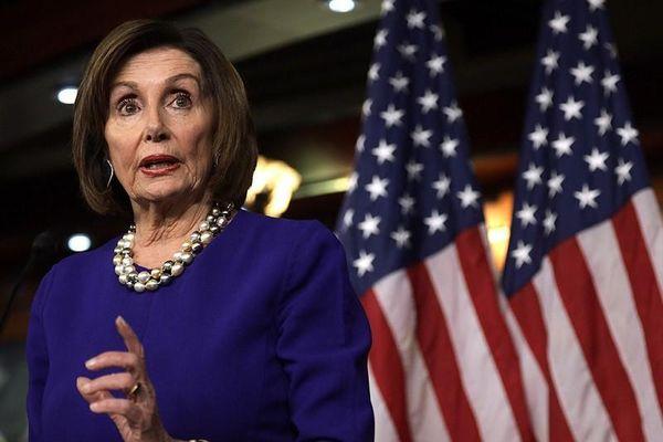 Bà Pelosi: Nếu không từ chức, ông Trump có thể lại bị luận tội