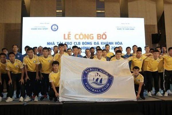 CLB Khánh Hòa nhận tài trợ 20 tỉ đồng trong ngày xuất quân