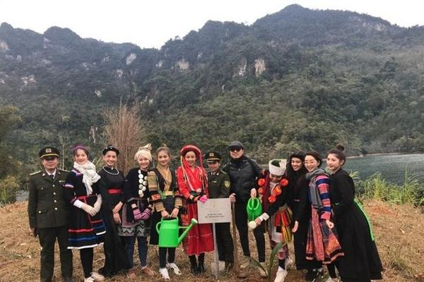 Hoa khôi Du lịch Việt Nam 2020 chung tay phủ xanh hồ sinh thái Tuyên Quang