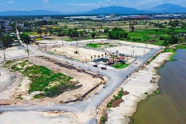Sông Cổ Cò oằn mình gánh các dự án bất động sản