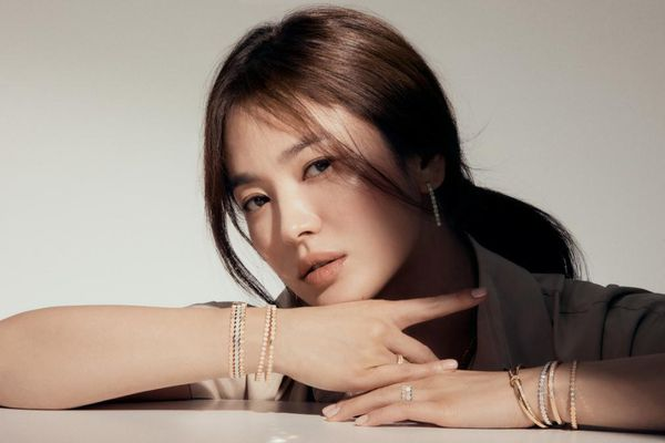 Dự án tái hợp Song Hye Kyo và biên kịch Kim Eun Sook có gì hot?