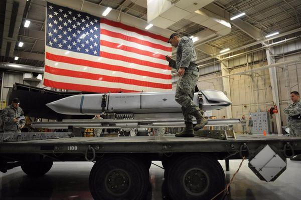 Cựu quan chức Mỹ kêu gọi ông Biden cải tổ quyền phóng vũ khí hạt nhân