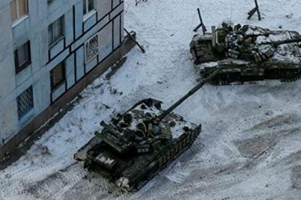 Ukraine tiếp tục tăng cường thiết bị quân sự tới Donbass