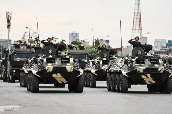 Dàn xe bọc thép tại lễ xuất quân bảo vệ Đại hội Đảng toàn quốc lần thứ 13 'khủng' cỡ nào?