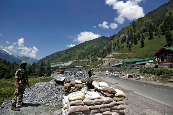 Ấn Độ bắt giữ một binh lính Trung Quốc vượt qua biên giới