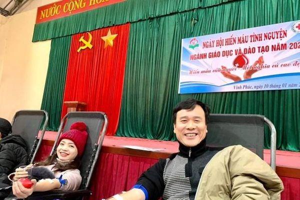 Vĩnh Phúc: Phụ huynh, học sinh đồng hành cùng giáo viên trong 'Ngày Chủ nhật đỏ'