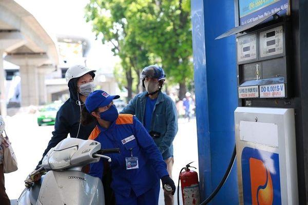 Giá xăng dầu tăng mạnh trong kỳ điều hành đầu tiên năm 2021