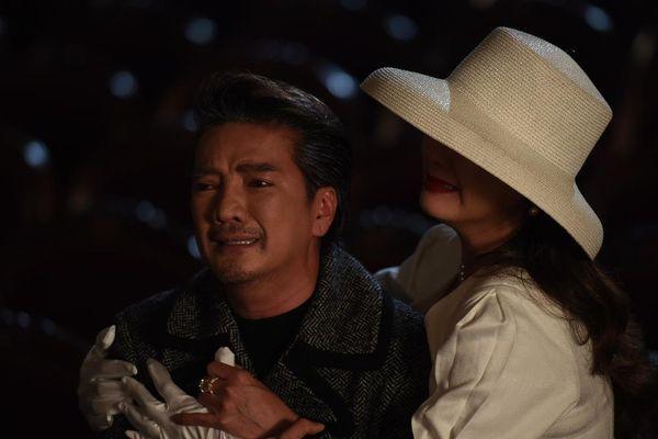Đàm Vĩnh Hưng lấy nước mắt khán giả với phần cuối 'vũ trụ tình tay ba' Je T'Aime