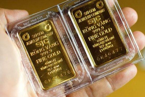 Giá vàng 12/1: Vàng trong nước cao hơn thế giới gần 5 triệu đồng/lượng