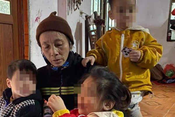 Hai bé bị bỏ rơi trên đê mất mẹ và ông ngoại trong vòng vài tháng