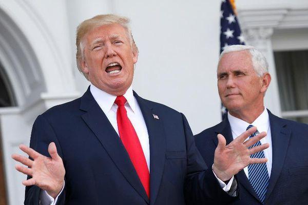 Bộ đôi Trump-Pence gặp nhau sau vụ bạo động ở Điện Capitol