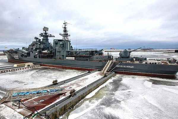 Cựu chỉ huy tàu khu trục Nga ăn trộm chân vịt đồng nặng 13 tấn
