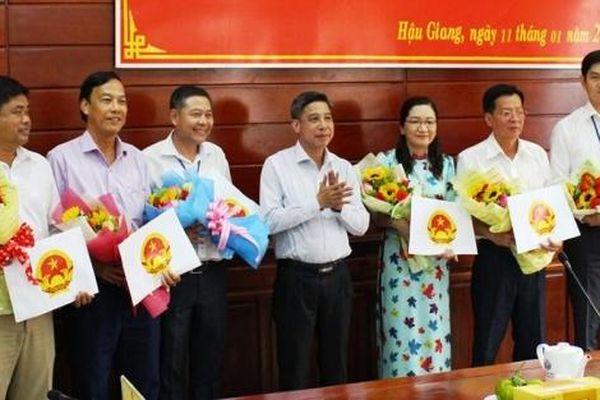 Hậu Giang, Khánh Hòa, Đồng Tháp bổ nhiệm nhân sự, lãnh đạo mới