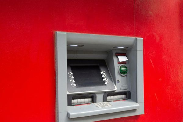 Trung Quốc thử nghiệm máy ATM cho đồng nhân dân tệ kỹ thuật số tại Thâm Quyến