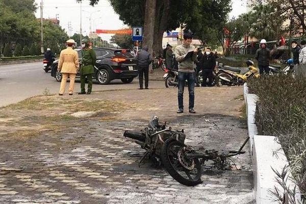 Nam thanh niên tự đốt xe của mình khi vi phạm giao thông có thể bị xử lý hình sự?