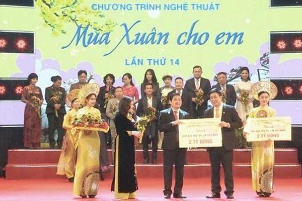 Quỹ Từ thiện Kim Oanh đóng góp 2 tỷ đồng hỗ trợ các hoạt động chăm lo cho trẻ em