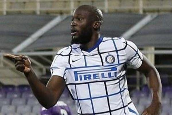 Lukaku đưa Inter đối đầu Milan tại tứ kết Coppa Italia