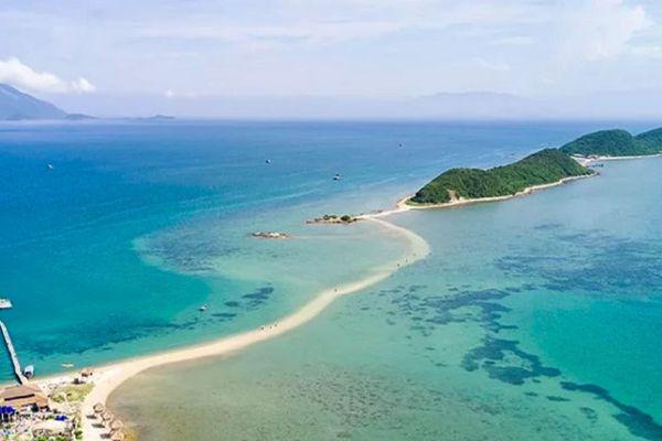 Sẽ cấp điện lưới cho 9 hòn đảo ở nước ta