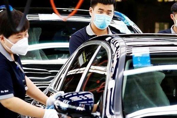 Sự thiếu hụt chip toàn cầu 'tấn công' các nhà sản xuất ô tô