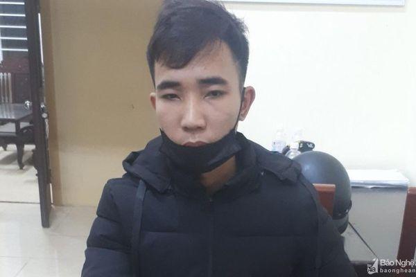Hai thanh niên chở ma túy đá và pháo ở Thanh Chương bị bắt