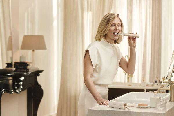 Philips ra mắt bàn chải răng thông minh tự thích ứng với răng từng người