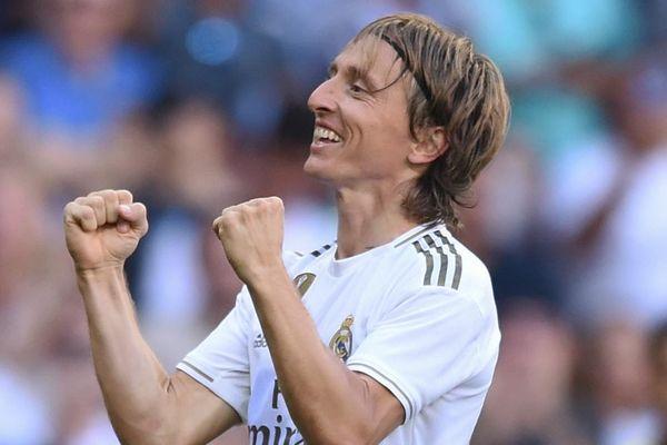 Siêu tiền vệ của Real Madrid lên tiếng về tương lai