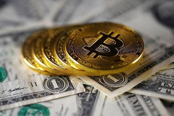 Giá Bitcoin tăng vọt, áp sát ngưỡng 40.000 USD/đồng