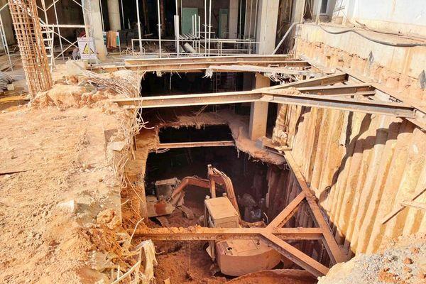 Di dời khẩn cấp nhiều hộ dân vì công trình xây khách sạn gây sụt lún