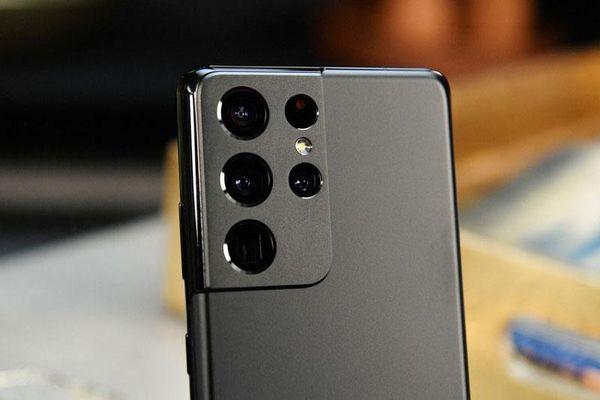 Trên tay Samsung Galaxy S21 Ultra 5G, giá từ 30,99 triệu tại Việt Nam