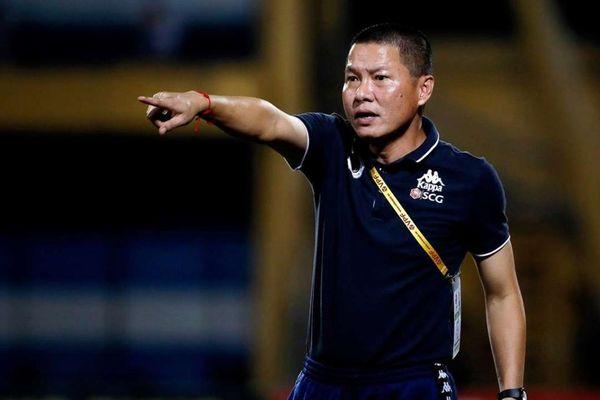 HLV Chu Đình Nghiêm tố Nam Định cố tình làm xấu mặt sân Thiên Trường