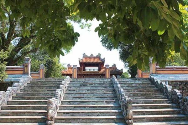 Vật làm tin của vị vua và hoàng hậu đầu triều Nguyễn
