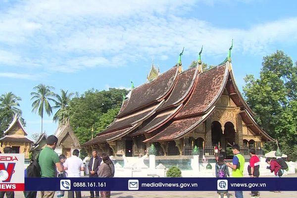 Thăm Chùa Xiềng Thong ở cố đô Luang Prabang, Lào