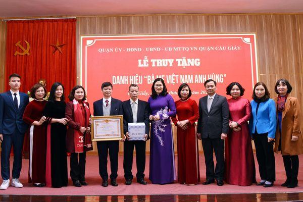 Hà Nội: Truy tặng danh hiệu 'Bà mẹ Việt Nam Anh hùng' cho hai mẹ có con là liệt sĩ