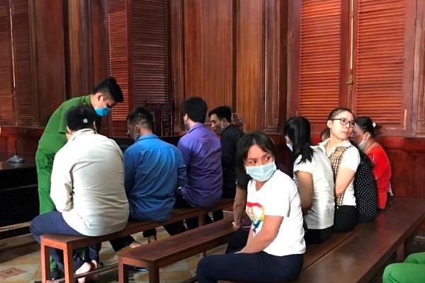 TPHCM: Tuyên án nhóm bị cáo đánh bạc bằng bài cào Ấn Độ