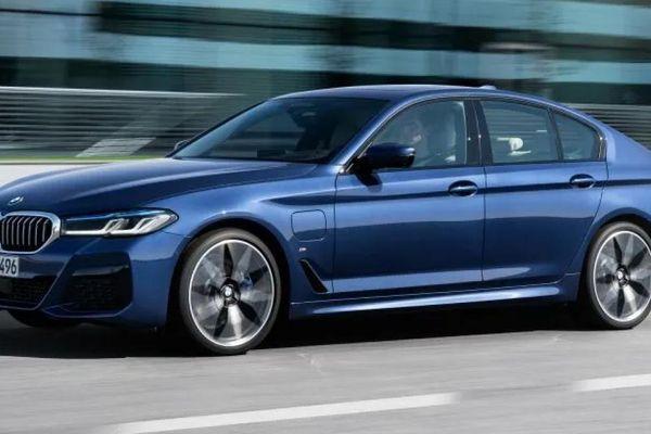 BMW đạt ngôi vương doanh số xe sang tại Mỹ năm 2020