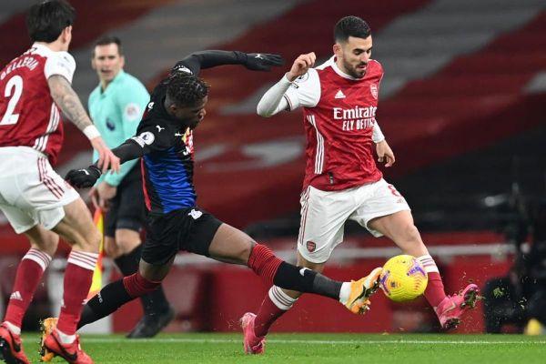 Bị Palace cầm hòa, Arsenal đứt mạch toàn thắng