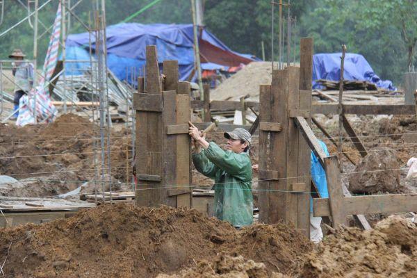 Hỗ trợ người dân vùng sạt lở Nam Trà My tái thiết sản xuất