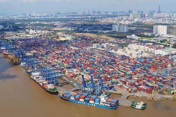 Cát Lái - cảng container lớn nhất Việt Nam