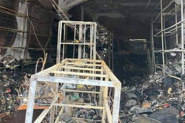 Nữ sinh 15 tuổi tử vong sau đám cháy lớn