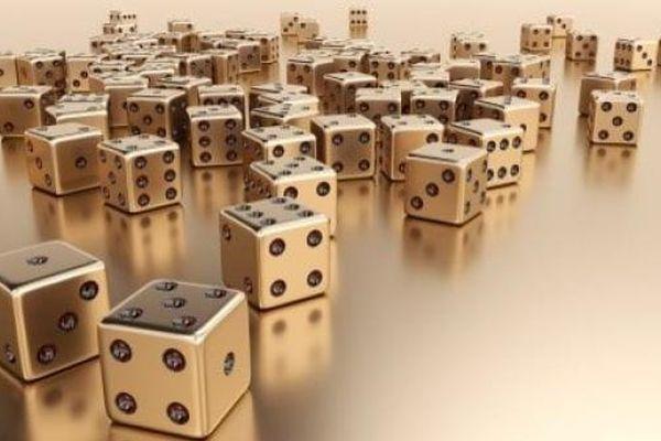 Giá vàng hôm nay 16/1: Thị trường hoảng loạn, vàng thế giới hụt hơi, trong nước thẳng tiến mốc 57 triệu đồng