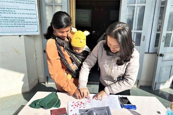 Báo Tiền Phong và tỉnh Đắk Lắk tiếp tục hỗ trợ vùng 'rốn lũ' Đắk Liêng