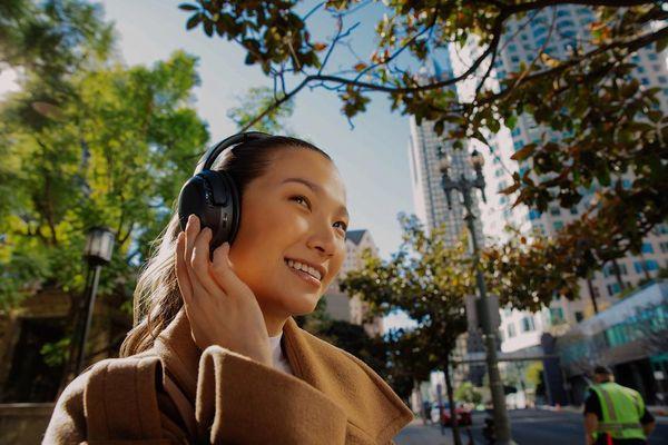 JBL giới thiệu dòng headphone Tour với loạt tai nghe không dây chống ồn mới