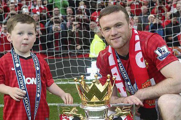 Rooney treo giày sau 19 năm thi đấu, theo nghiệp huấn luyện