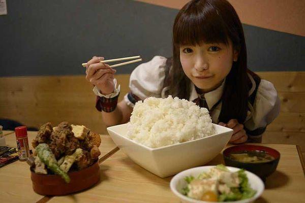 Top những cô gái có sức ăn khủng khiếp nhất thế giới